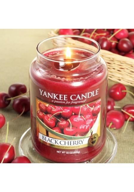 Ароматическая свеча Yankee Candle Black Cherry / Чёрная черешня