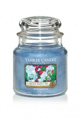 АРОМАТИЧЕСКАЯ СВЕЧА YANKEE CANDLE Garden Sweet Pea / Душистый Горошек
