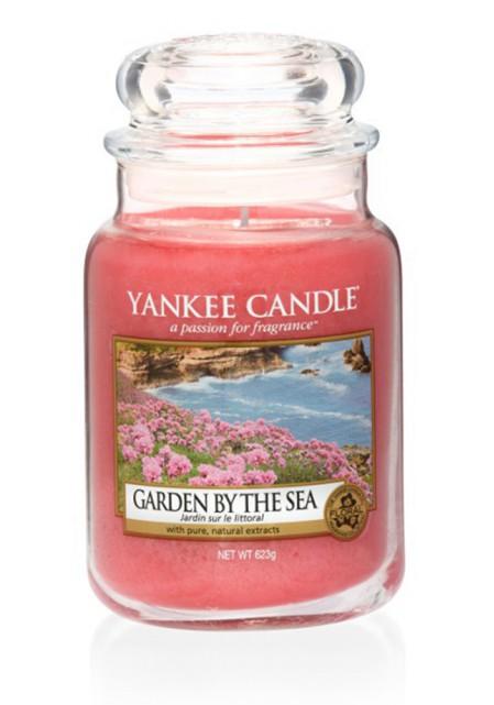 Ароматическая свеча Yankee Candle Garden by the sea / Сад у моря